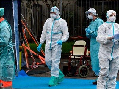 Los muertos por coronavirus en EEUU superan ya los 2.000