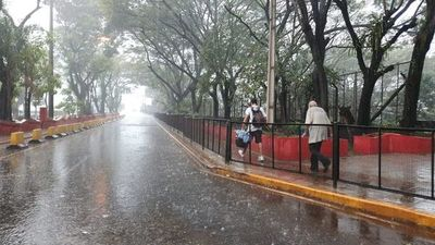 Anuncian lluvias y ambiente cálido para este domingo