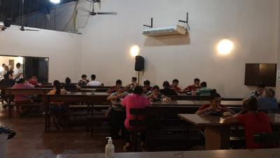 Paraguayos buscan ayuda en C.D.E.
