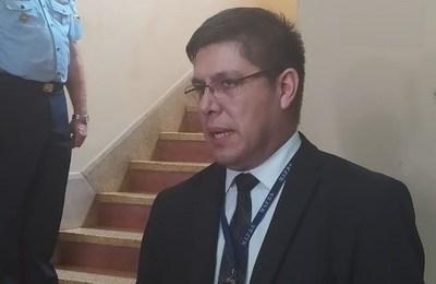 """Director de Salud Pública responde a los que se quejan por el sitio donde los llevaron por cuarentena: """"No tenemos la capacidad de un hotel 5 estrellas"""""""