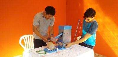 Jóvenes fabrican respirador para ayudar a hospital de Santaní