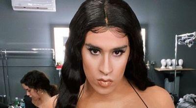 Bad Bunny se transforma en mujer para el vídeo de
