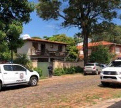 Mujer es hallada sin vida en un inquilanato de Asunción