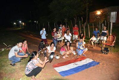 """""""Ya tienen hambre nuestros hijos"""", vecinos de Ypané amenazan con protesta"""