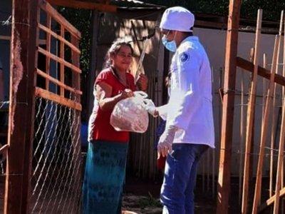 Presidente Franco: Jóvenes hornean galleta para  donar a familias pobres