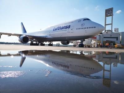 Vuelo humanitario partirá hoy a Alemania con 300 pasajeros