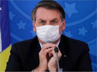 Covid-19: Twitter elimina dos vídeos indebidos de Bolsonaro