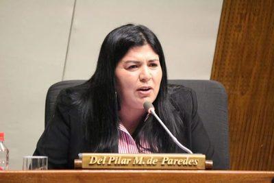 Diputada rechaza descuento de su salario y el de funcionarios públicos