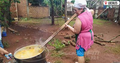 En Cambyretá: Vecinos asisten a más de 400 familias mediante la «olla popular»