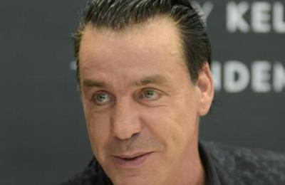 Solo fue un susto: Cantante de Rammstein fue hospitalizado, pero descartan coronavirus