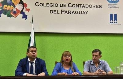 HOY / Contadores solicitan al gobierno ser parte de la lista de excepción y así seguir trabajando evitando moras