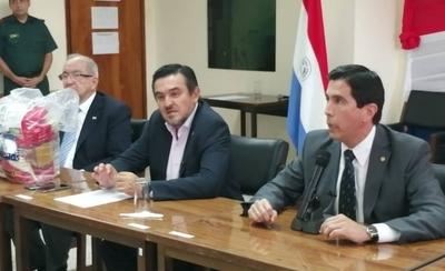 HOY / Las fronteras nacionales permanecerán cerradas y los kits alimenticios del MEC empezarán a distribuirse en 20 instituciones de la capital