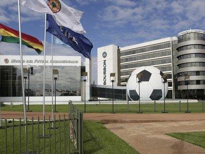 Conmebol no apura el retorno del fútbol