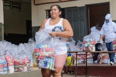Entregan alimentos en escuelas de zonas vulnerables de Asunción