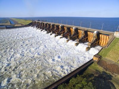 El río Paraná registra el caudal más bajo de las últimas décadas a la altura de Yacyretá