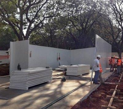 Avanza construcción de hospitales de contingencia