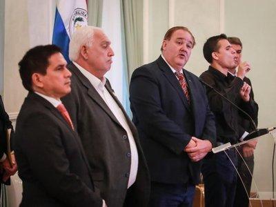 Gobernaciones piden destinar fondos de obras para comprar insumos médicos y alimentos