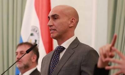 """HOY / Mazzoleni destaca nueva Ley de Emergencia y adelanta """"cambio de estrategia"""" para aumentar pruebas de COVID-19"""