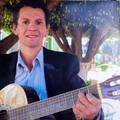 """Cantante Luichi Gómez lanza video en plataforma YouTube denominado """"Quédate en casa"""""""
