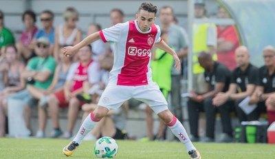 Ajax rescinde contrato al que salió de su coma