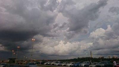 Miércoles con mucho calor y tormentas eléctricas, anuncia Meteorología