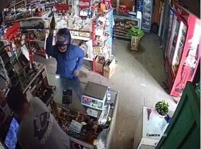 HOY / Recreo no acabó para ladrones: asaltan negocio en Villa Hayes