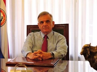 No se puede estar pensando en una expo con una crisis sanitaria, sostiene Luis Villasanti
