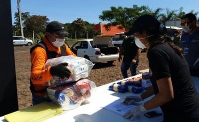 Cámara de Comercios entrega kits de alimentos a mototaxistas