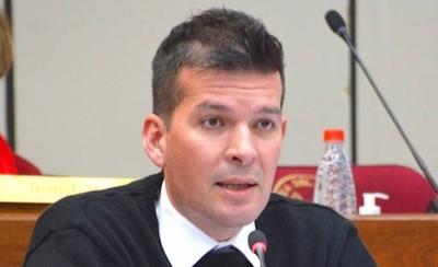 HOY / Senador Sergio Godoy, sobre el proyecto que presentó que apunta a la racionalización de gastos y recorte de privilegios