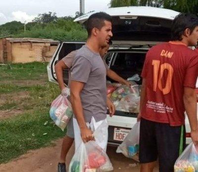 Jugadores de Resistencia hacen donaciones en la Chacarita