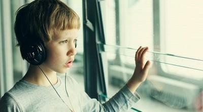 Permanecer encerradas en casa es un desafío para personas con autismo