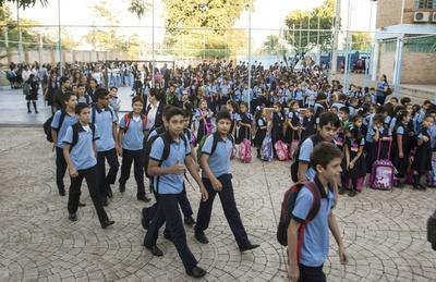 Colegios privados plantean volver a clases en noviembre