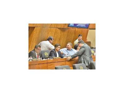 Integran comisión bicolor y dejan fuera a otros partidos