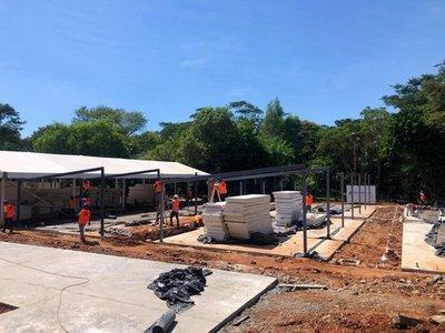 Alistan estructuras para comenzar techado en los dos hospitales de contingencia