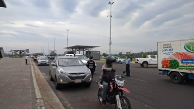 HOY / Covid-19: Policía y Fiscalía refuerzan control vehicular en Costanera de Asunción
