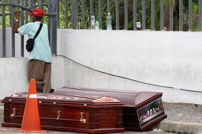 Guayaquil, en shock por el manejo de los muertos en plena pandemia