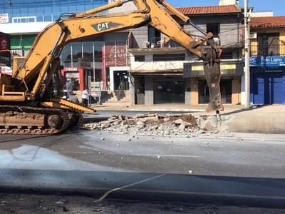 Demolición de 'paradas' del metro bús: 'me pregunto por qué ahora se puede y no se pudo hace dos años'- Alcides Riveros