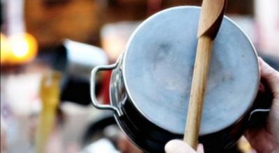 HOY / A cacerolazo limpio, pobladores de Ciudad del Este piden comida