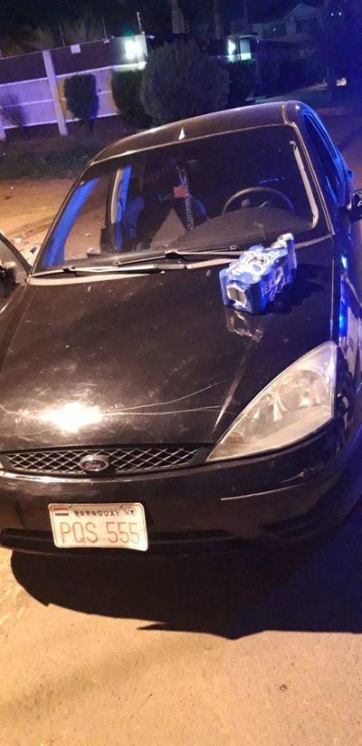 Cuatro mujeres detenidas por violar cuarentena y beber cerveza a bordo de un vehículo