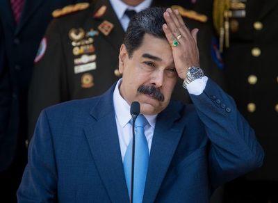 """Maduro """"no confía ni en su sombra"""" tras haber recompensa por su captura"""