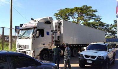 Desinfectan los camiones en el Este