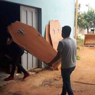 Medida drástica: intendente de Capiibary compró cajones
