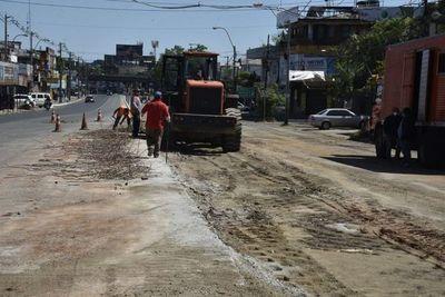 MOPC continúa con trabajos de demolición de paradas del fallido metrobús