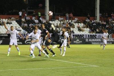 Mensaje claro desde la APF: El fútbol está muy lejos de volver