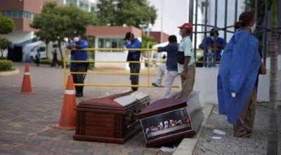 Ecuador educa con terror: no respetaron cuarentena, ahora cadáveres inundan calles