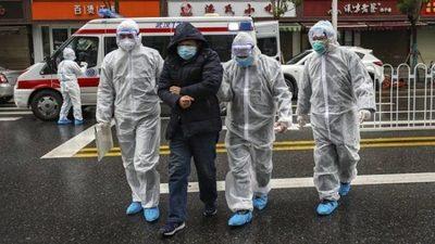 Versiones hablan de más de 42 mil muertes en Wuhan
