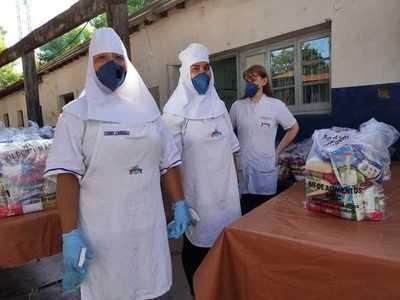 Continúan entrega de kits de alimentos en escuelas y colegios de Asunción