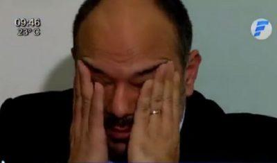 Viceministro rompe en llanto al hablar de la labor contra el coronavirus