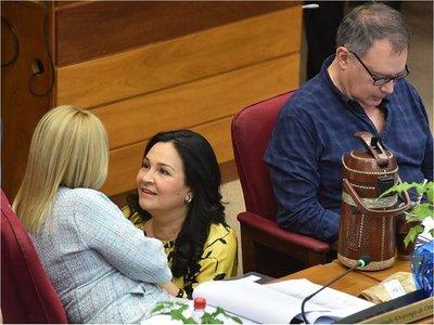 Covid-19: Senadora Bajac pide disculpas y espera no haber contagiado a nadie