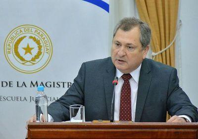 Ministro de Corte denuncia usuparción de identidad en redes